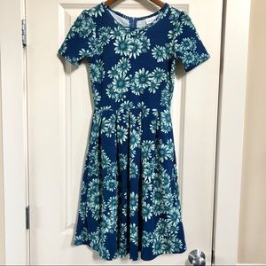 BNWT LuLaRoe Amelia floral dress in blue